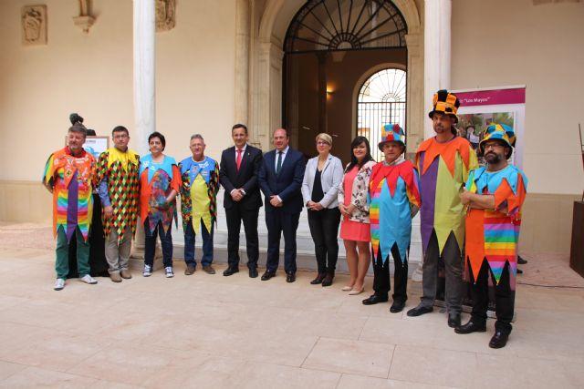 Inaugurada la exposición sobre Los Mayos en el Palacio de San Esteban, Foto 2