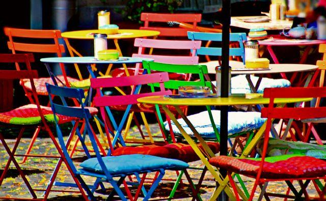 Las terrazas de los bares podrán estar abiertas hasta las 2.00h. de la madrugada en periodo estival