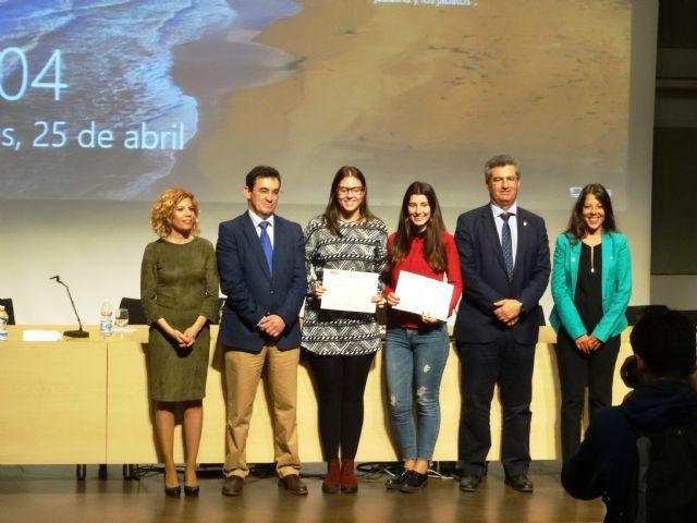 Cinco alumnas del IES Domingo Valdivieso son premiadas en el VIII i congreso regional de investigadores junior, Foto 2