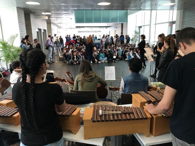 El IES Gerardo Molina conquista el hall del Ayuntamiento de Torre-Pacheco Musiqueando - 2, Foto 2