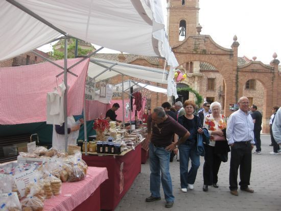 Este próximo domingo, 30 de abril, se celebra el tradicional Mercadillo Artesano de La Santa