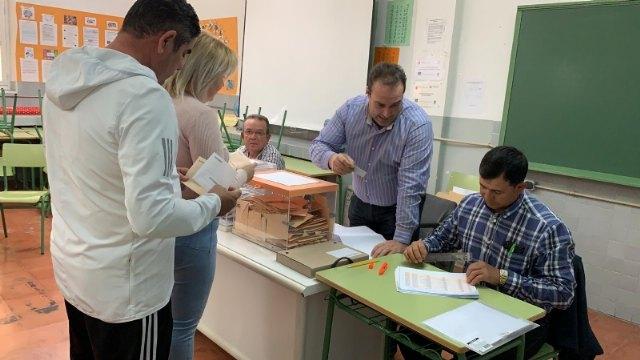 La participación de electores en Totana en las generales asciende al 59,53%, a las 18:00 horas