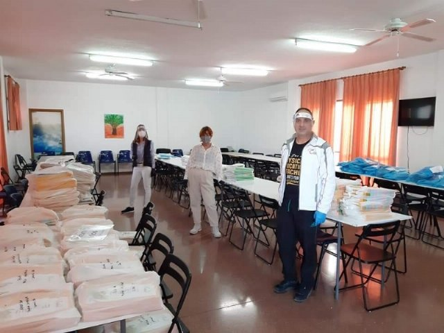 The delivery of books and school supplies in the different schools of Totana ends to face the third quarter of the school year at home