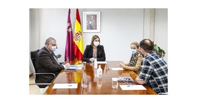 La alcaldesa de Cehegín se reúne con la Vicepresidenta y consejera de Política Social - 1, Foto 1