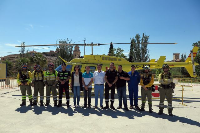 Escolares caravaqueños participan en una exhibición de medios para conocer la importancia de prevenir los incendios forestales - 1, Foto 1