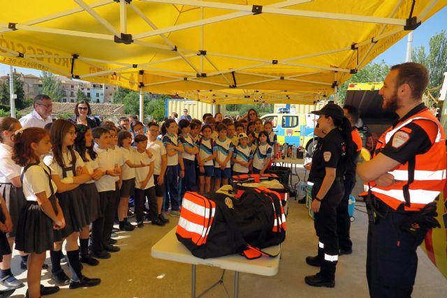 Escolares caravaqueños participan en una exhibición de medios para conocer la importancia de prevenir los incendios forestales - 2, Foto 2