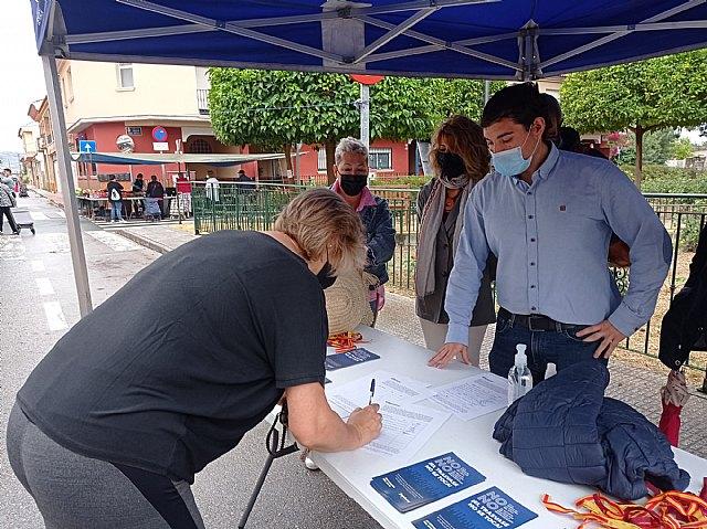 El PP recoge firmas en Alquerías en defensa del trasvase Tajo-Segura - 2, Foto 2