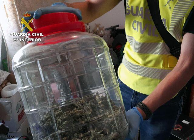 La Guardia Civil desmantela un activo punto dedicado a la venta ininterrumpida de varios tipos de sustancias estupefacientes - 2, Foto 2