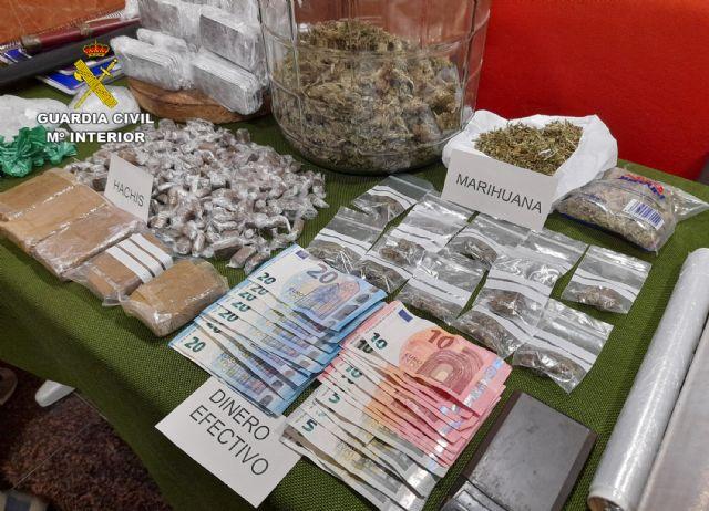 La Guardia Civil desmantela un activo punto dedicado a la venta ininterrumpida de varios tipos de sustancias estupefacientes - 3, Foto 3