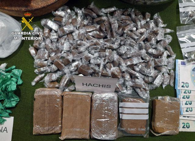 La Guardia Civil desmantela un activo punto dedicado a la venta ininterrumpida de varios tipos de sustancias estupefacientes - 5, Foto 5
