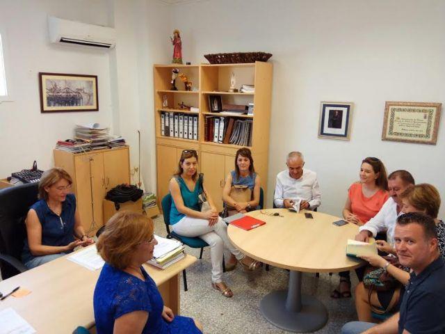 El alcalde mantiene una reunión con el AMPA del CEIP