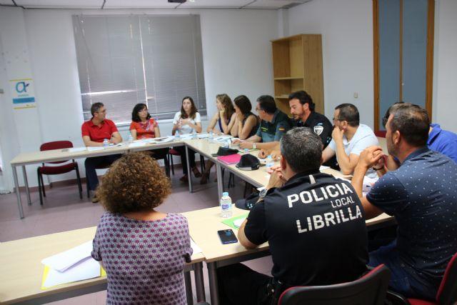 La Mesa de Coordinación Policial se reúne para analizar los datos de violencia de género en Alhama y Librilla, Foto 1