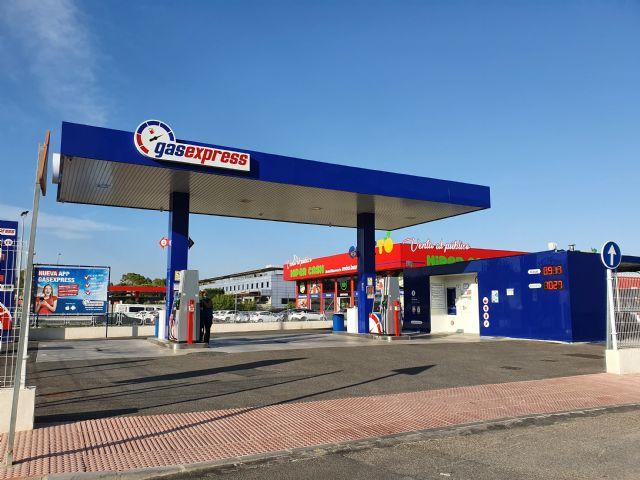 Lorca vuelve a apostar por medidas para reducir la contaminación y concede licencia para una nueva estación de recarga de vehículos eléctricos - 1, Foto 1