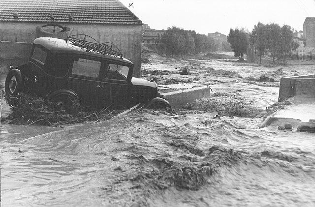 Totana vivió angustiosos momentos provocados por las inundaciones en 1877 y en 1964, Foto 7
