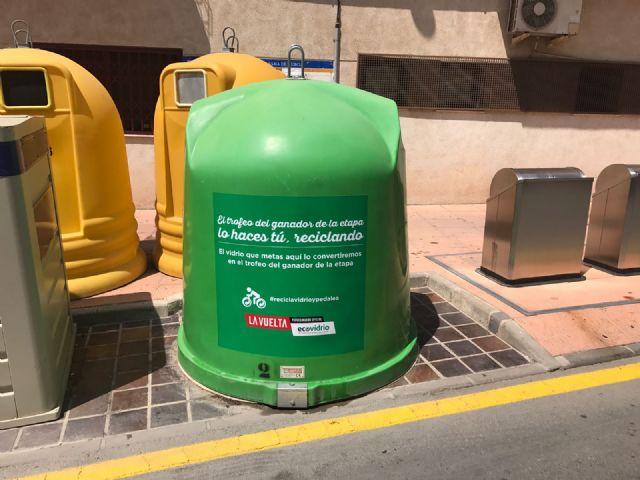 Ecovidrio y el Ayuntamiento de Alhama animan a los vecinos a participar en el trofeo reciclado para La Vuelta, Foto 1