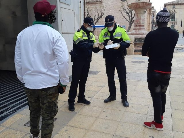 The Local Police imposed 38 fines last weekend for failing to comply with the Order of the Ministry of Health on measures to contain COVID-19 in Totana; 23 of them for not wearing a mask