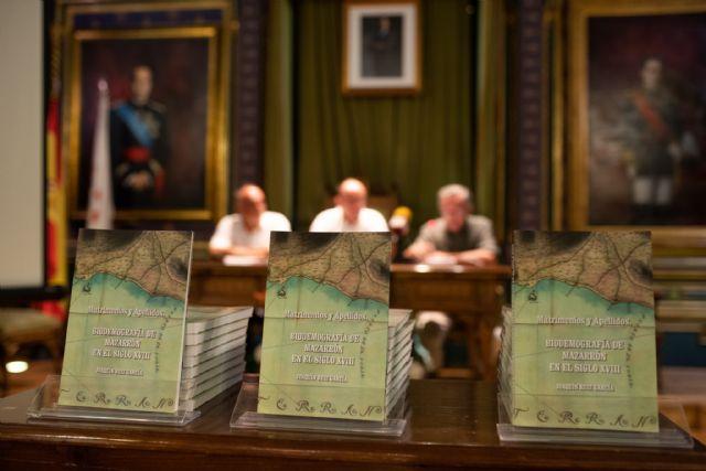 El libro de Joaquín Ruiz que indaga en la historia de los apellidos mazarroneros estará disponible en Dialnet, Foto 2