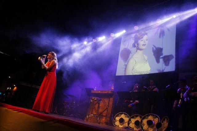 La plaza del Romea acoge esta noche un viaje de Murcia a México con 'Me nace del Corazón, homenaje a Rocío Dúrcal' - 1, Foto 1