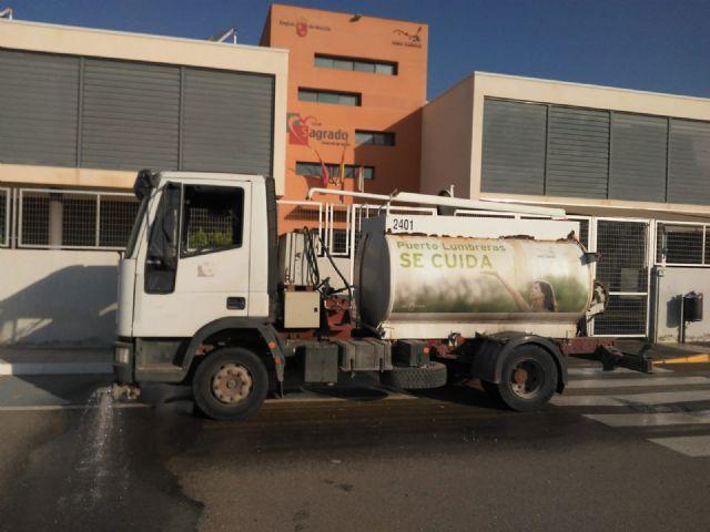 El Ayuntamiento implementa un plan municipal de limpieza y desinfección en centros educativos como medida de prevención ante el COVID-19 - 3, Foto 3