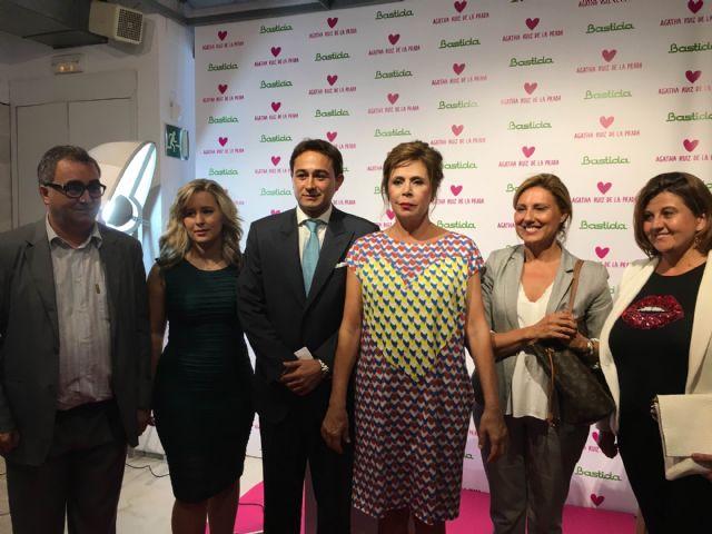 La diseñadora Ágatha Ruiz de la Prada asistió ayer en San Javier a la presentación de su línea de baño disponible en Bastida Interiorismo - 1, Foto 1