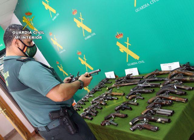 La Guardia Civil se incauta en Santomera de 40 armas de fuego históricas en posesión de un coleccionista - 3, Foto 3