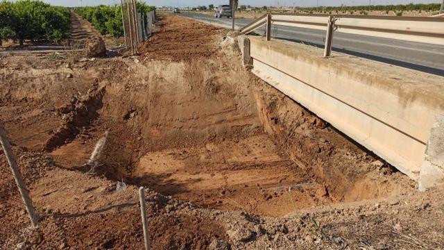 El Ayuntamiento acomete la limpieza de cauces y canales de drenaje para evitar daños por lluvias torrenciales - 2, Foto 2