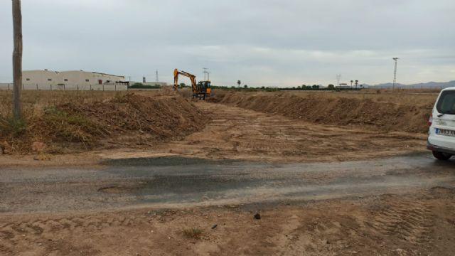 El Ayuntamiento acomete la limpieza de cauces y canales de drenaje para evitar daños por lluvias torrenciales - 3, Foto 3
