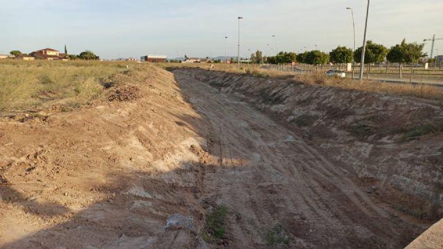 El Ayuntamiento acomete la limpieza de cauces y canales de drenaje para evitar daños por lluvias torrenciales - 5, Foto 5