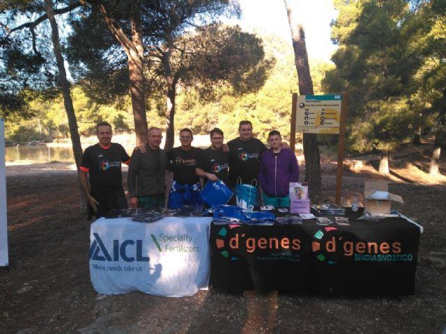 Numerosas personas toman parte en la ruta solidaria por Sierra Espuña a favor de D´Genes, Foto 4