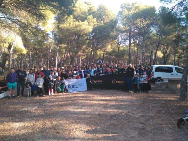 Numerosas personas toman parte en la ruta solidaria por Sierra Espuña a favor de D´Genes, Foto 6