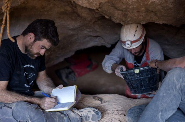 El Museo Arqueológico de Murcia acoge una conferencia de la UMU sobre los hallazgos arqueológicos en la Cueva del Arco y el Cañón de Almadenes - 3, Foto 3