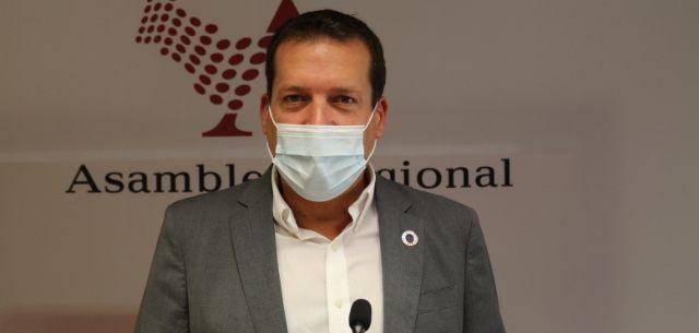 El PSOE asegura que la labor de retirada de embarcaciones hundidas y fondeadas ilegalmente en el Mar Menor corresponde al Gobierno regional, Foto 1