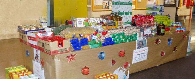 La Facultad de Economía y Empresa de la UMU recoge más de 1.200 kilos de alimentos para Jesús Abandonado - 1, Foto 1