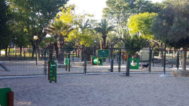 El Parque de la Compañía de Molina de Segura estrena el nuevo pipi can, sometido a una profunda remodelación - 1, Foto 1