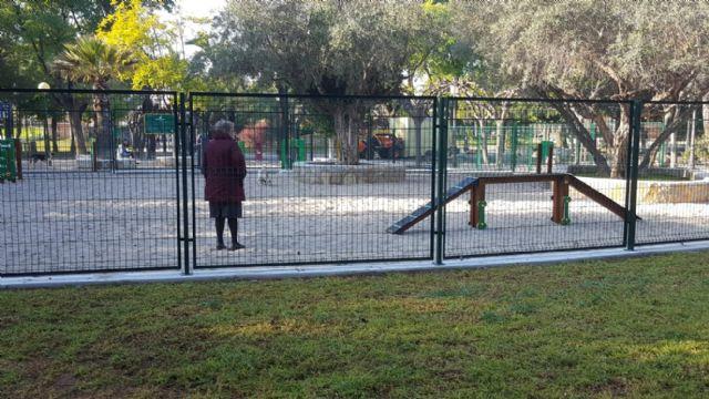 El Parque de la Compañía de Molina de Segura estrena el nuevo pipi can, sometido a una profunda remodelación - 2, Foto 2