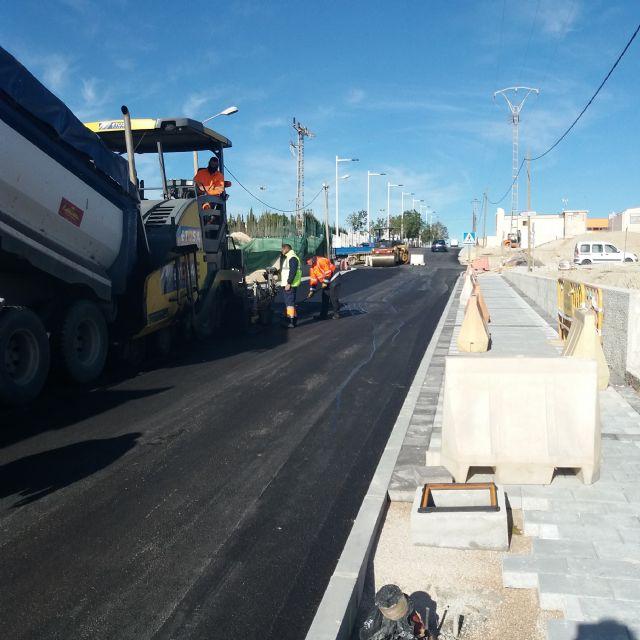 El Ayuntamiento de Molina de Segura llevará a cabo la reposición del firme de los polígonos industriales y la colocación en ellos de nuevos callejeros gigantes iluminados - 1, Foto 1