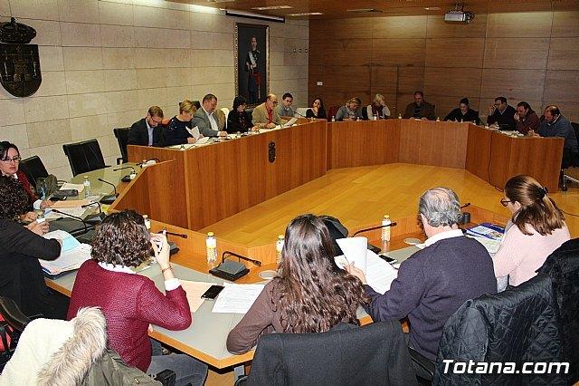 El Pleno acuerda instar a la Consejería de Educación a crear una normativa reguladora del Bachillerato Internacional - 2, Foto 2