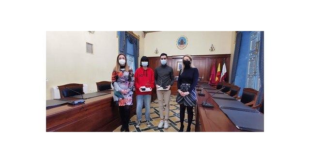 El Ayuntamiento reconoce a los estudiantes con mejores notas del EBAU - 1, Foto 1