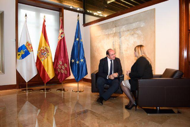 Alcaldesa y Presidente regional se reúnen para abordar el desdoblamiento de la carretera de Mazarrón al Puerto - 1, Foto 1