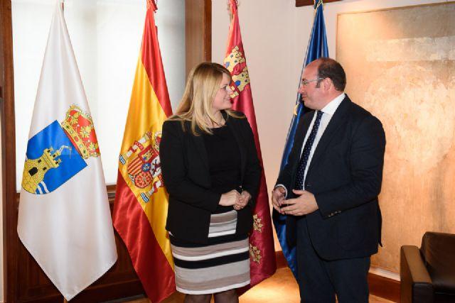 Alcaldesa y Presidente regional se reúnen para abordar el desdoblamiento de la carretera de Mazarrón al Puerto - 2, Foto 2