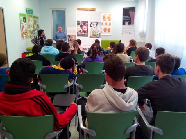 150 alumnos de Secundaria visitan el Centro de Salud de Torre-Pacheco - 1, Foto 1