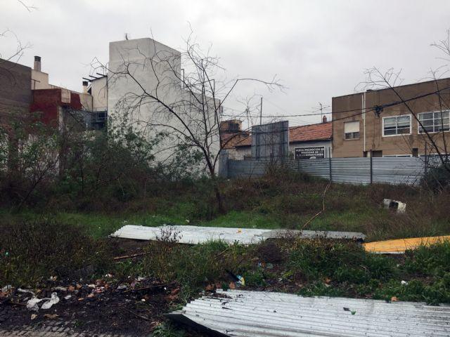 C's exige al PP una limpieza inmediata de los solares abandonados que degradan muchas zonas del sur de Murcia desde hace años - 1, Foto 1