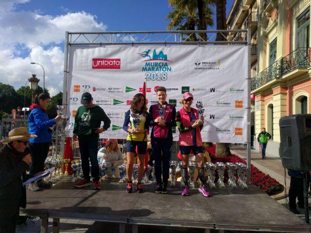 Varios miembros del Club Atletismo Totana participaron en la V Murcia Maratón