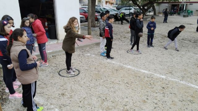 The Petanque Local Phase of the School Sports program took place at the Petanca Santa Eulalia Club facilities, Foto 7