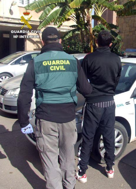 La Guardia Civil detiene en Fuente Álamo a un joven dedicado a atracar comercios - 1, Foto 1