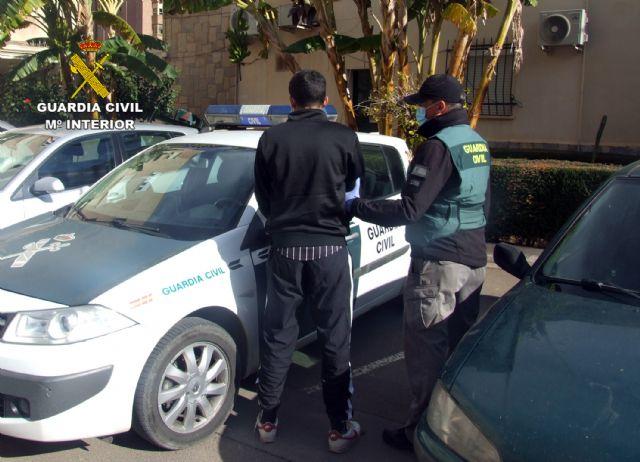 La Guardia Civil detiene en Fuente Álamo a un joven dedicado a atracar comercios - 3, Foto 3