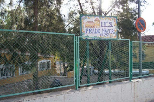 El Ayuntamiento insta a la Consejería de Educación a que construya la pista polideportiva del barrio de San José