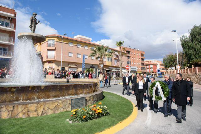 Vecinos y corporación municipal rinden homenaje a las víctimas de los accidentes mineros - 2, Foto 2