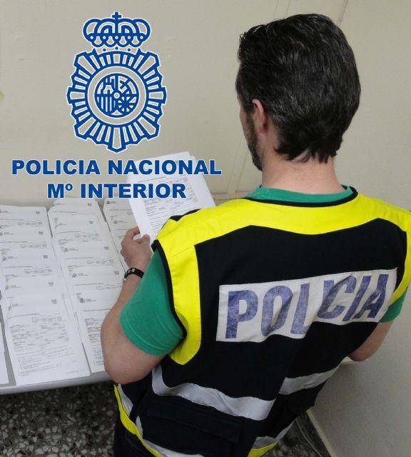 Policía Nacional detiene a la exdirectora de una sucursal bancaria y a sus colaboradores por estafar con líneas de descuento - 1, Foto 1