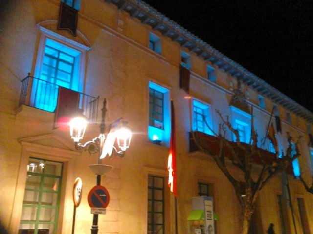 The City Council joins the World Day Lipodystrophies with the lighting of the main facade of the town hall in turquoise